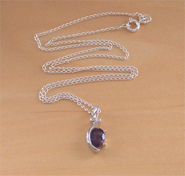 amethyst necklace uk