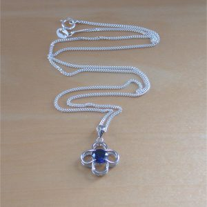 sapphire daisy necklace