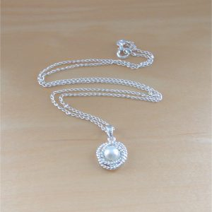 silver freshwater pearl necklace uk