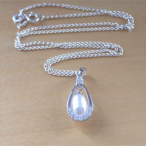 silver pearl and Cz necklace