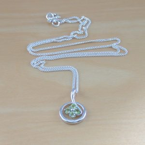 peridot necklace uk