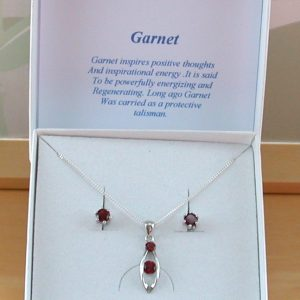 garnet necklace & earrings