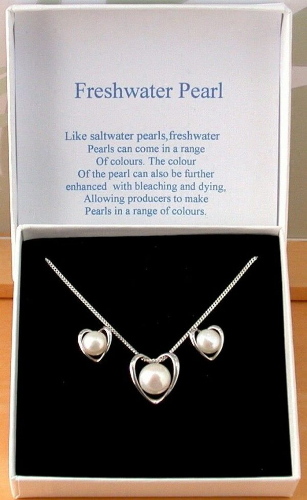 freshwater pearl heart necklace and earrings